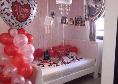 room-full-of-balloons